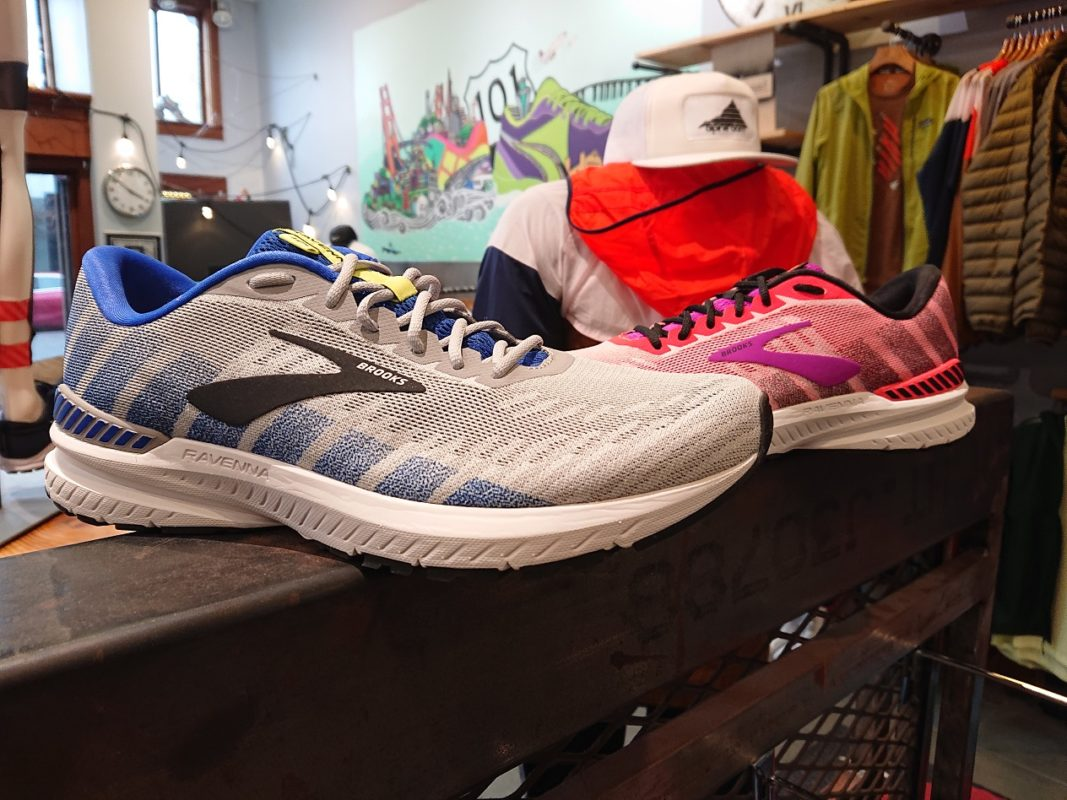 Brooks Running Women/'s Ravenna 10 Shoe
